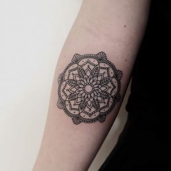 Simple and beautiful mandala on the forearm