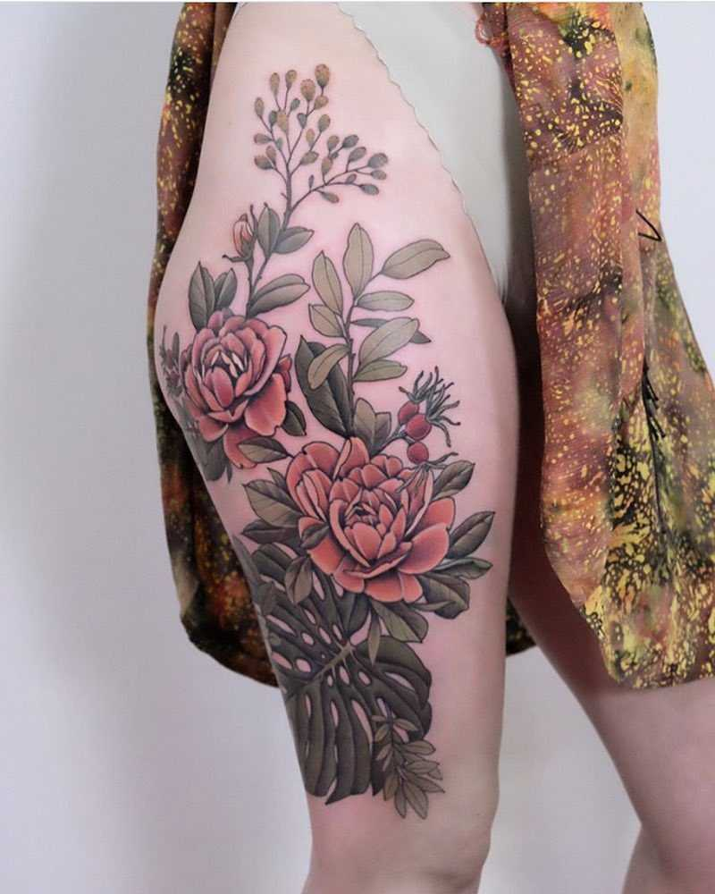 Floral piece on the thigh by Roald Vd Broek