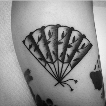 Hand fan by Muriel Demai Tattoo