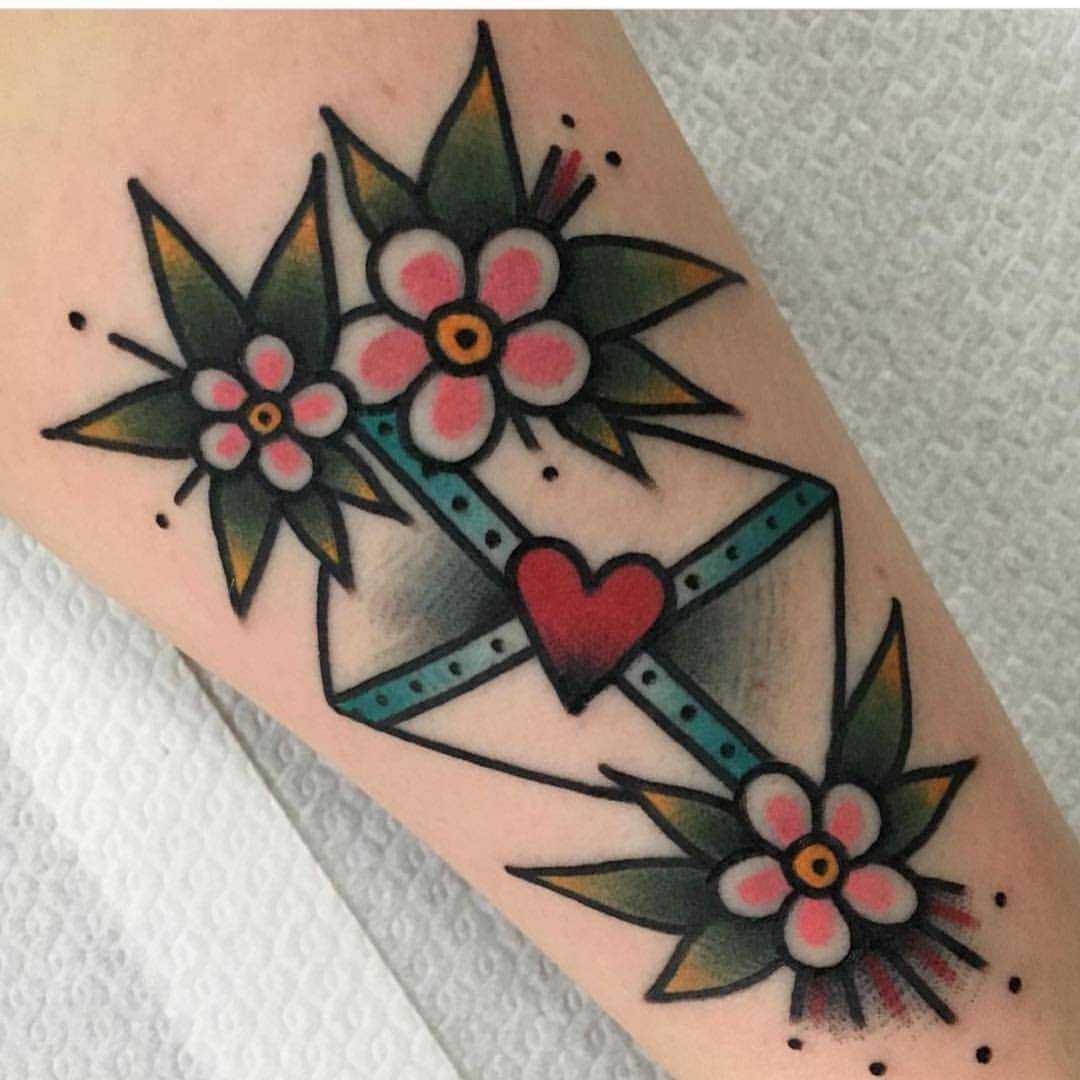 Love letter with flowers by Jeroen Van Dijk