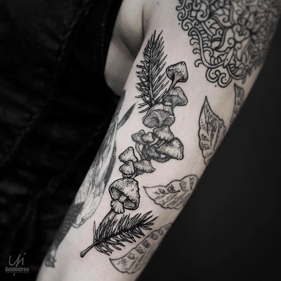 Mushrooms tattoo by Yi.Postysim