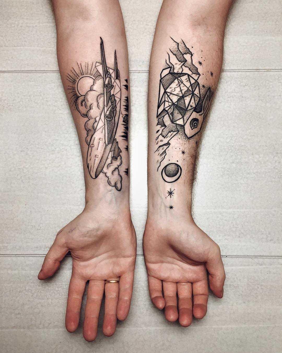 Plane and polygonal rabbit tattoos