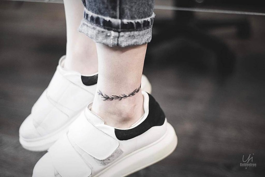 Anklet tattoo by Yi.postyism