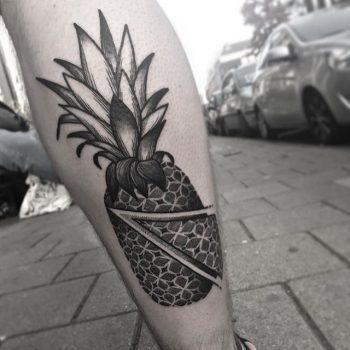 Blackwork pineapple tattoo by Wagner Basei