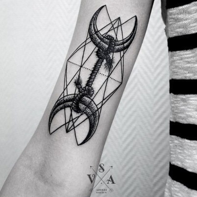 Crescent moons and rope tattoo by SVA