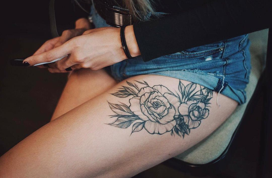 Floral thigh piece by Yi.postyism