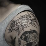 Florals on the shoulder by E.k.ek.tattoos