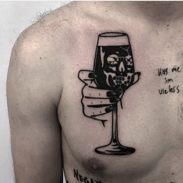Glass with a skull by Ignacio TTD