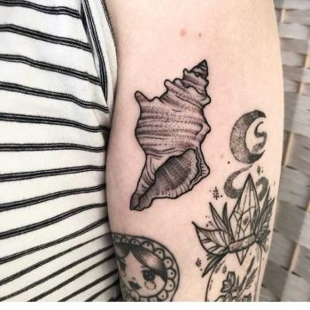 Shell by Lucie Tattoo