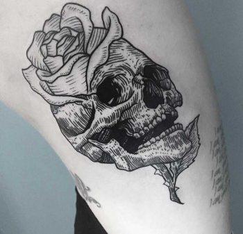 Skull and rose by Daniel Kickflip Tattooer
