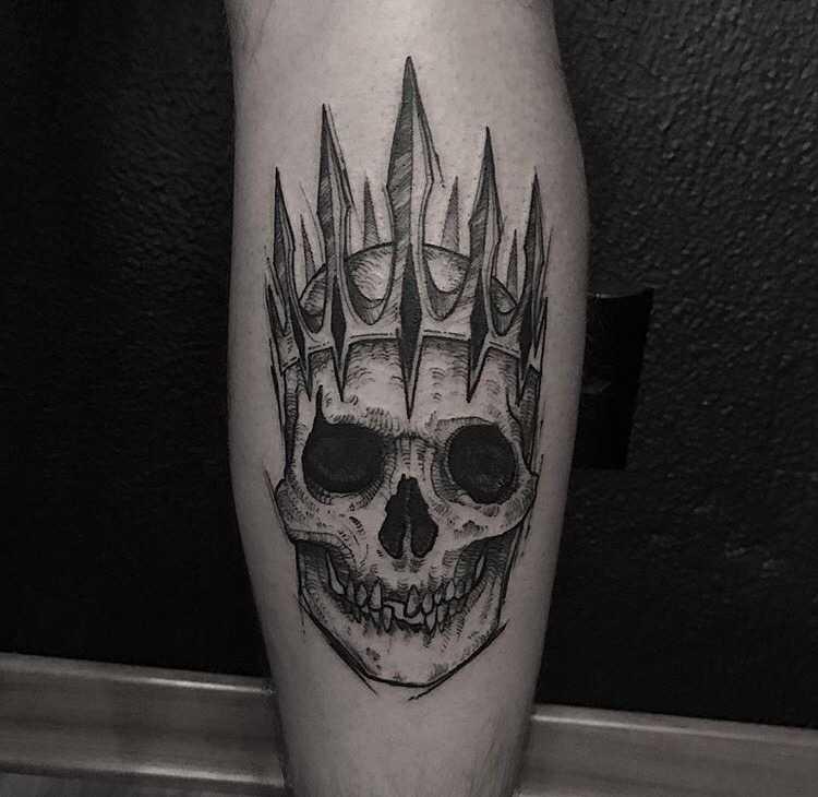 Skull with a crown by Ricardo Da Maia Tattoo
