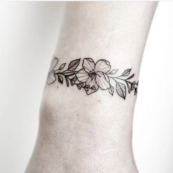 Floral bracelet tattoo by Rach Ainsworth
