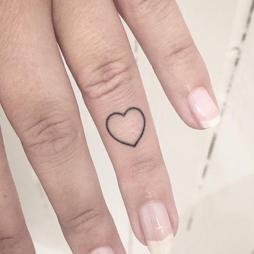 Hand-poked heart by Kokos Maedchen