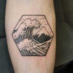 Honeycomb-shaped Great Wave tattoo