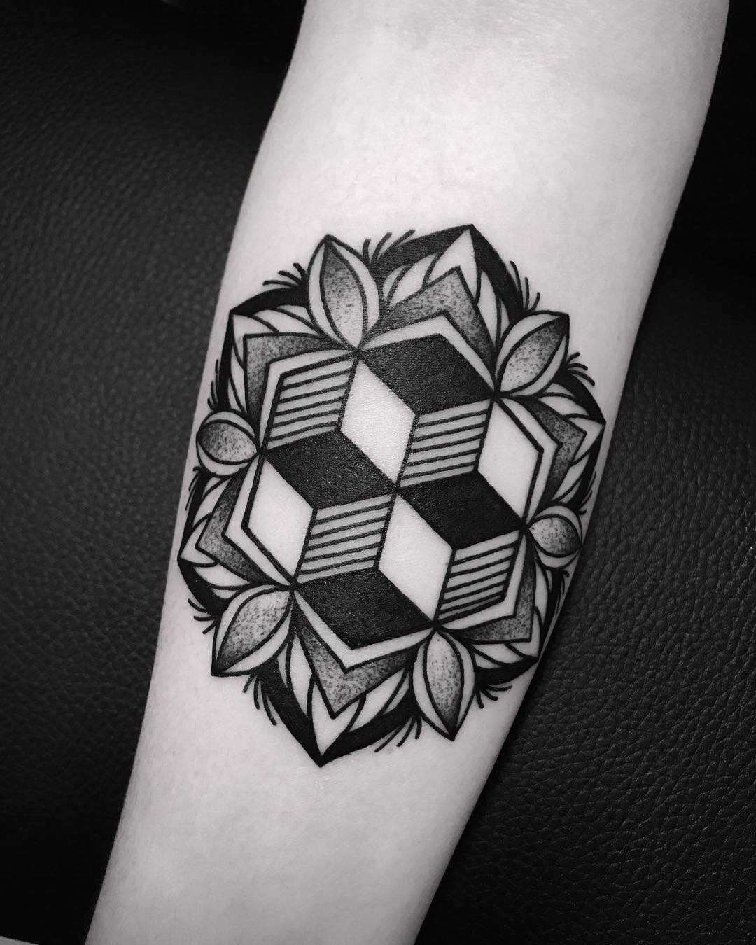 Cool geometry and mandala tattoo by Wagner Basei