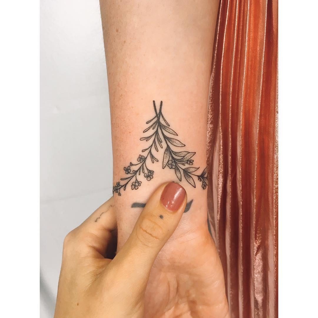 Wildflowers by tattooist Zaya