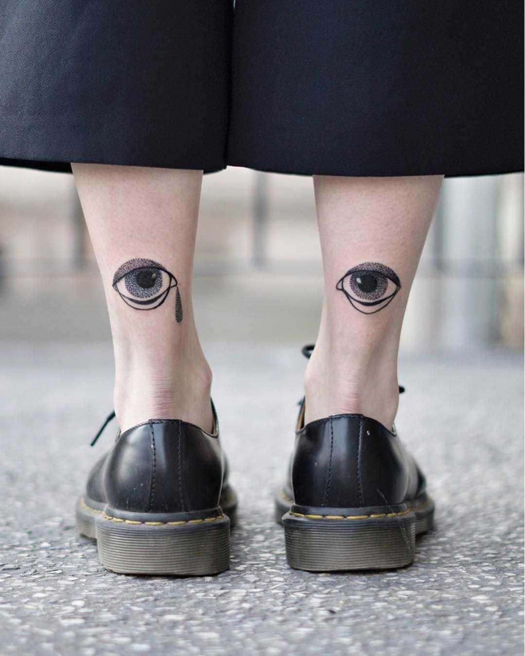 Blackwork eye tattoos by Dżudi Bazgrole