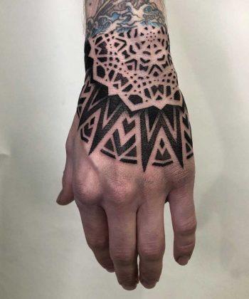 Blackwork mandala by Tamara Lee