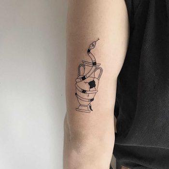 Broken dreams tattoo by Sasha But.maybe