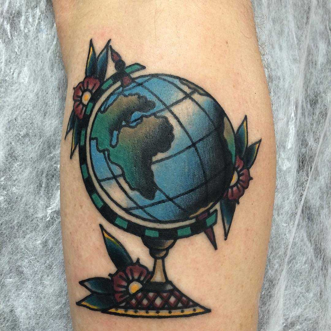 Traditional globe tattoo by Łukasz Krupiński