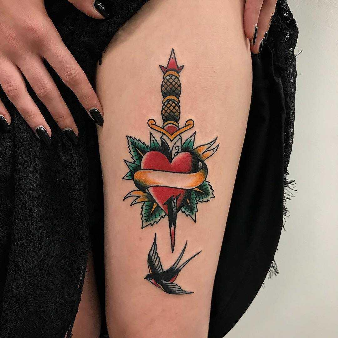 Traditional heart and dagger by Łukasz Krupiński