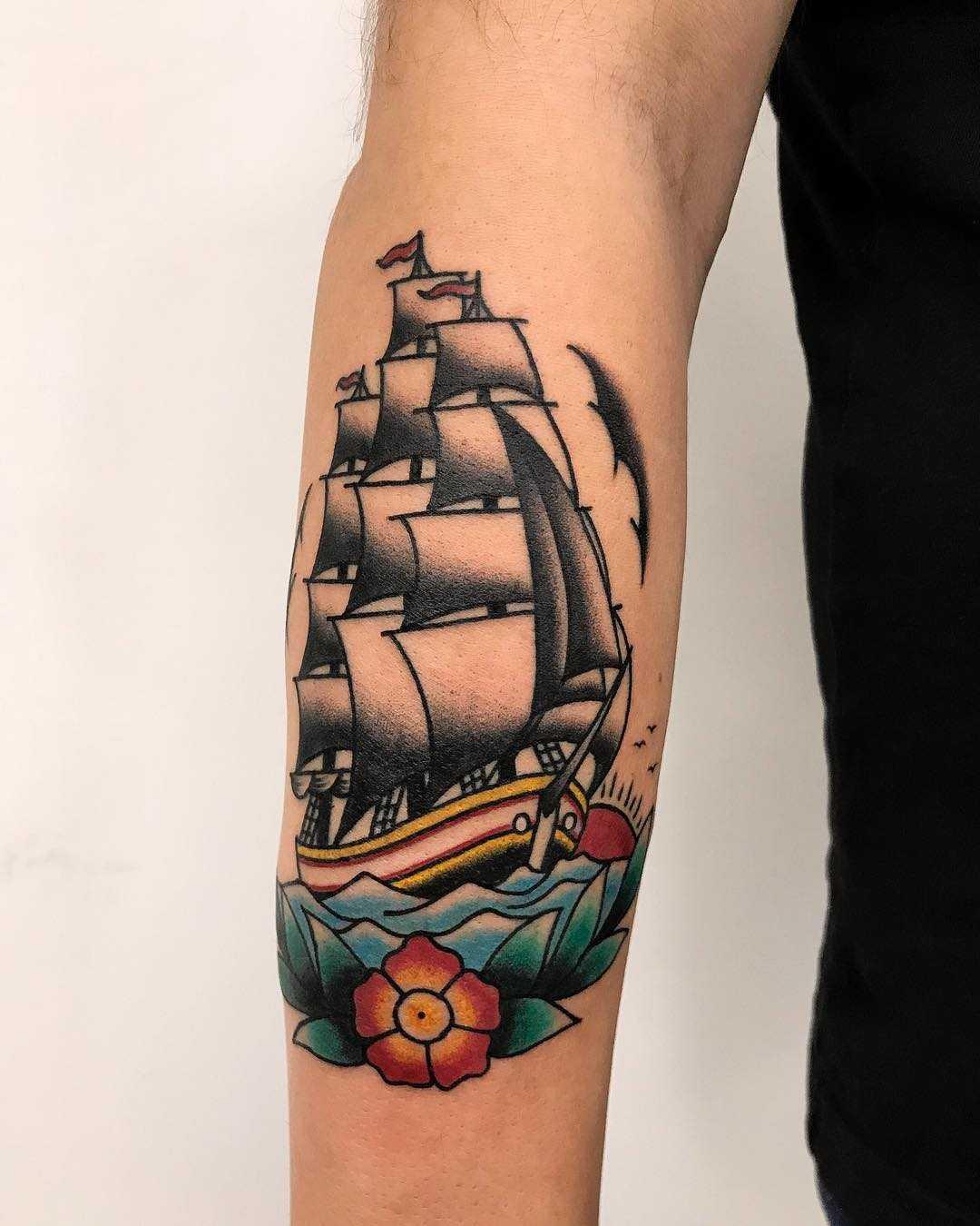 Traditional ship by Łukasz Krupiński