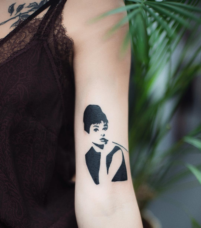 Audrey Hepburn tattoo by Dżudi Bazgrole