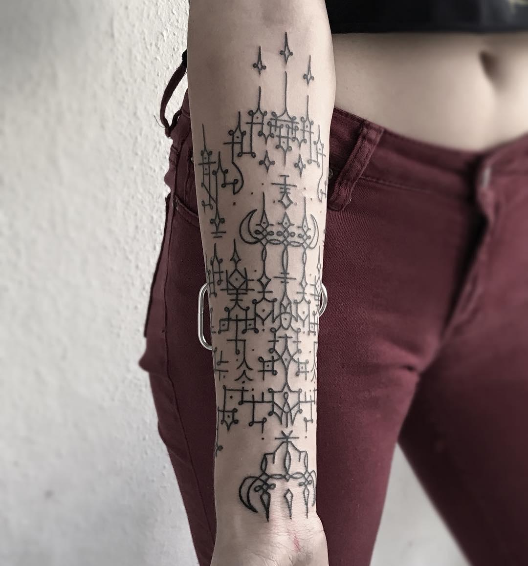 Blackwork pattern by Hand Job Tattoo