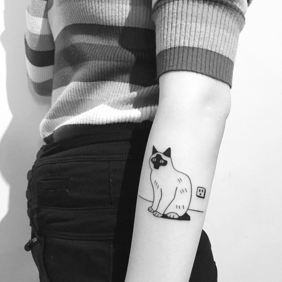 Cool cat tattoo by Chinatown Stropky