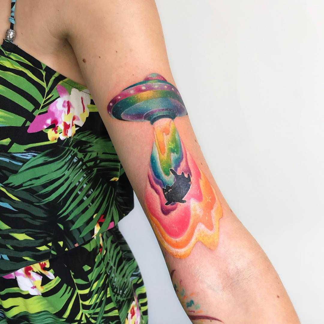Watercolor UFO tattoo Valeria Yarmola