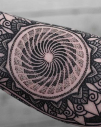 Circular geometry by Wagner Basei