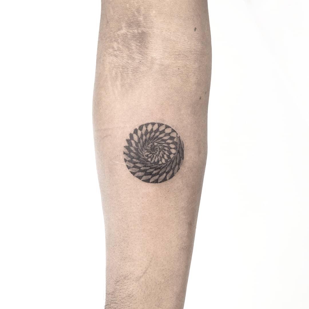 Dizzy circle by anton1otattoo