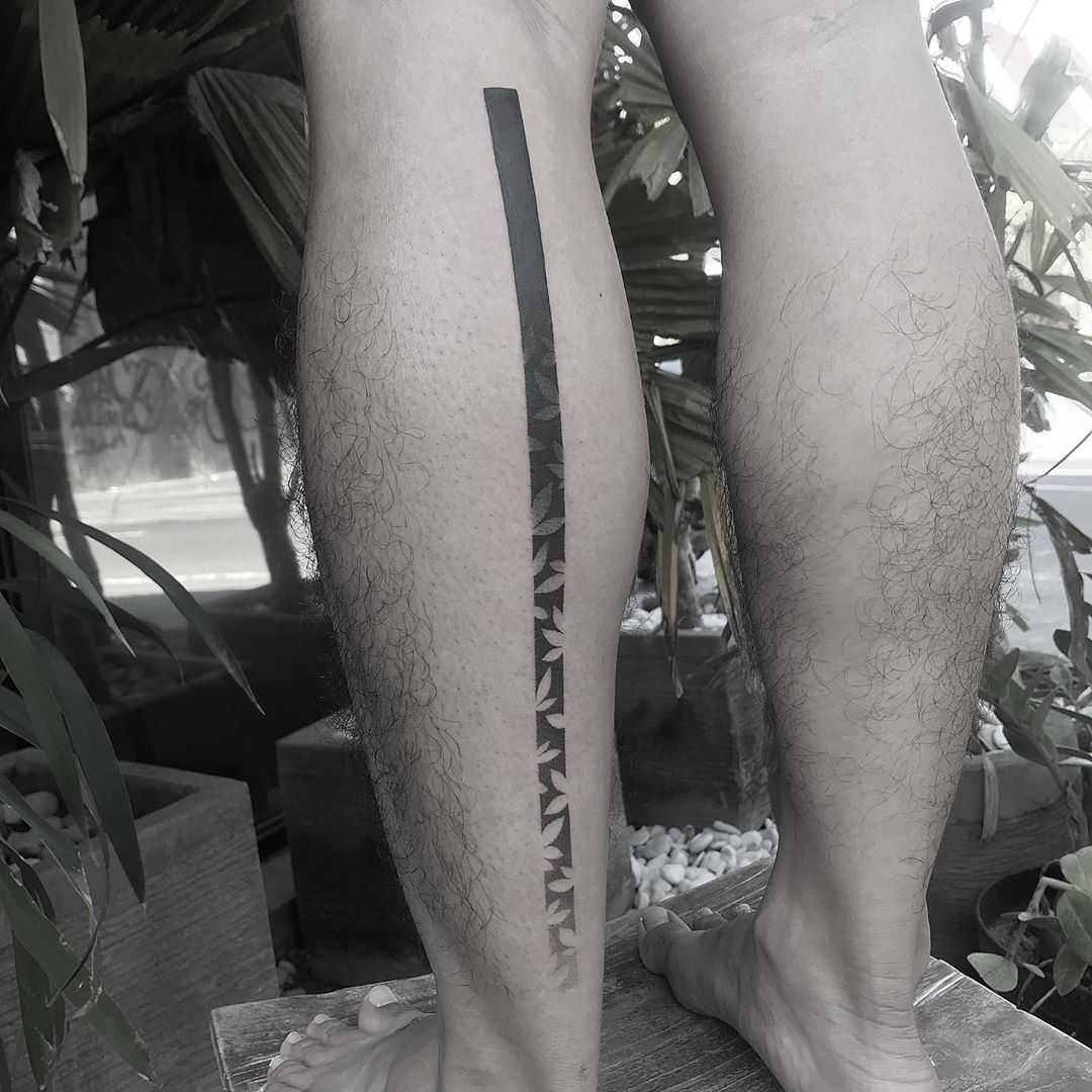 Gradient tattoo on a calf by Oliver Whiting