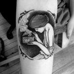 Psyche Opening the Golden Box tattoo by tattooist Miedoalvacio