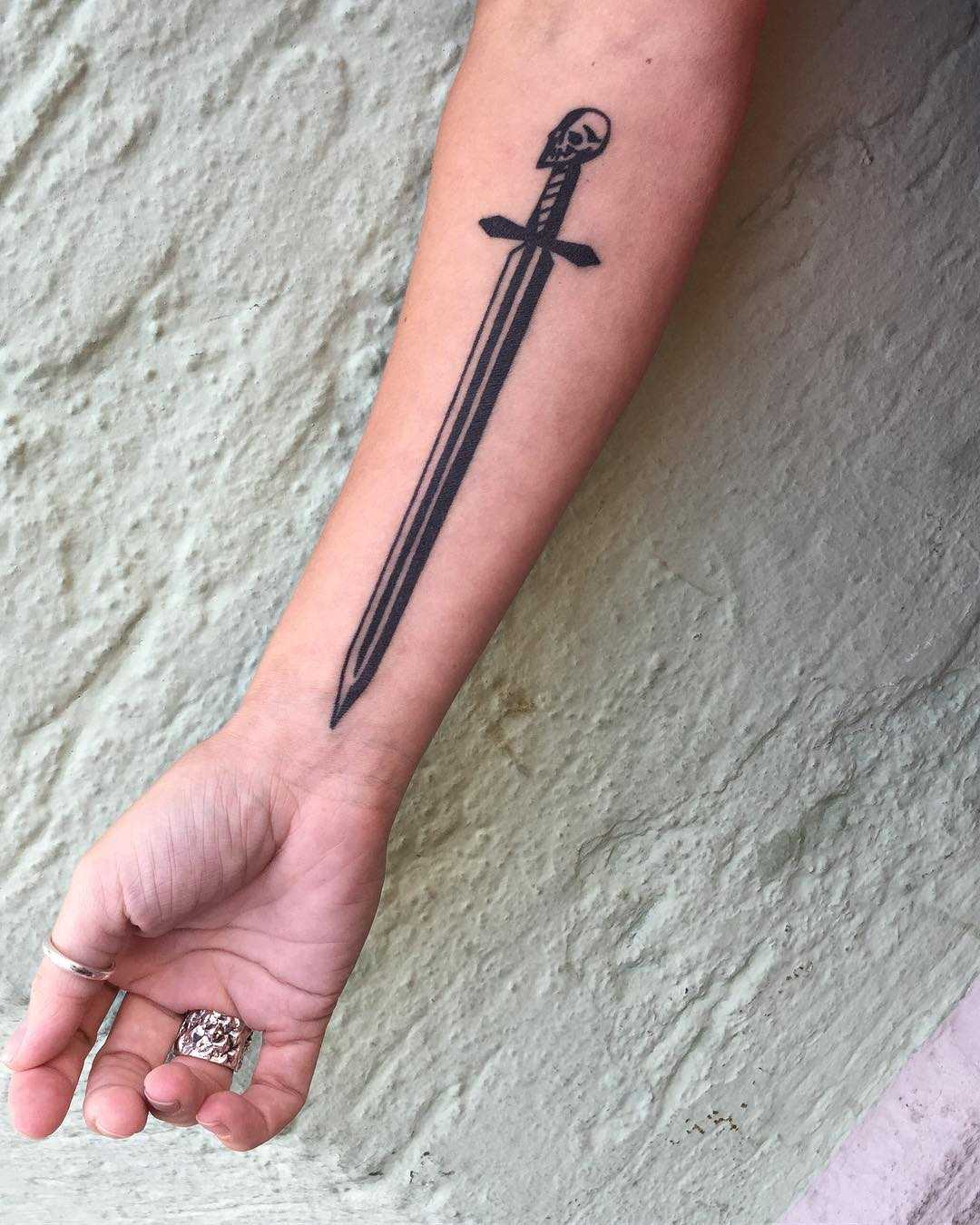 Sword by tattooist Miedoalvacio