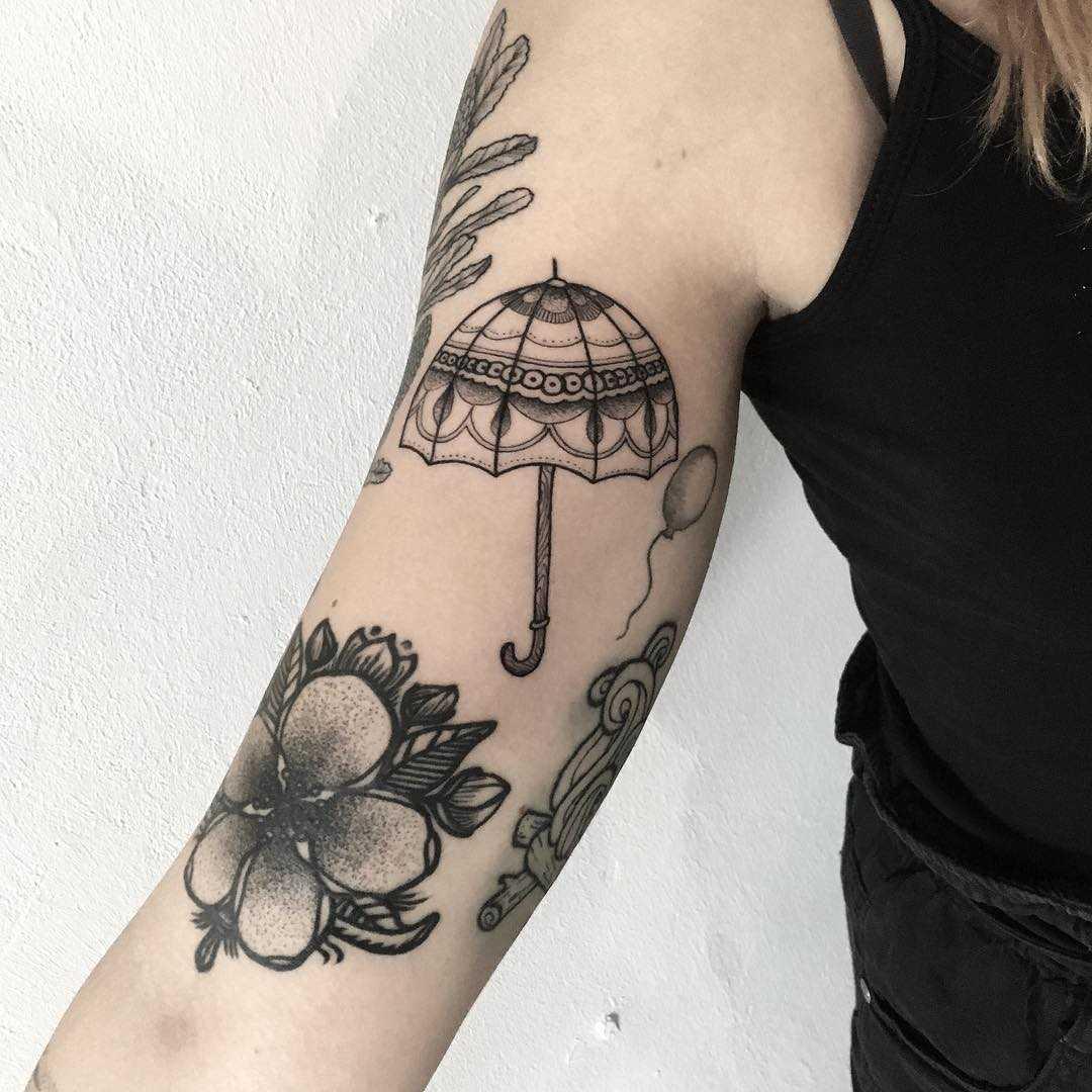 Umbrella gapfiller by tattooist Spence @zz tattoo