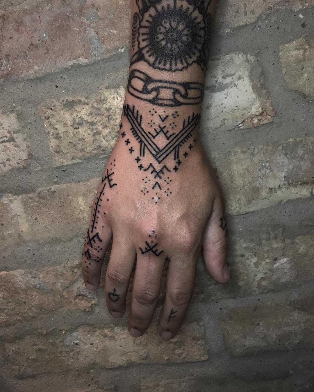 Wrist pattern by Tine DeFiore