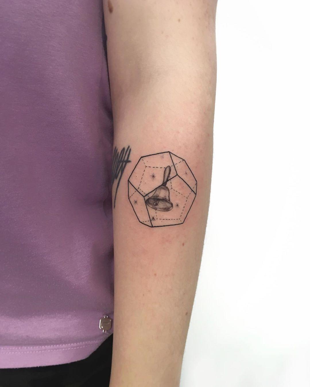 3d Hexagon Tattoo By Gianina Caputo Tattoogrid Net