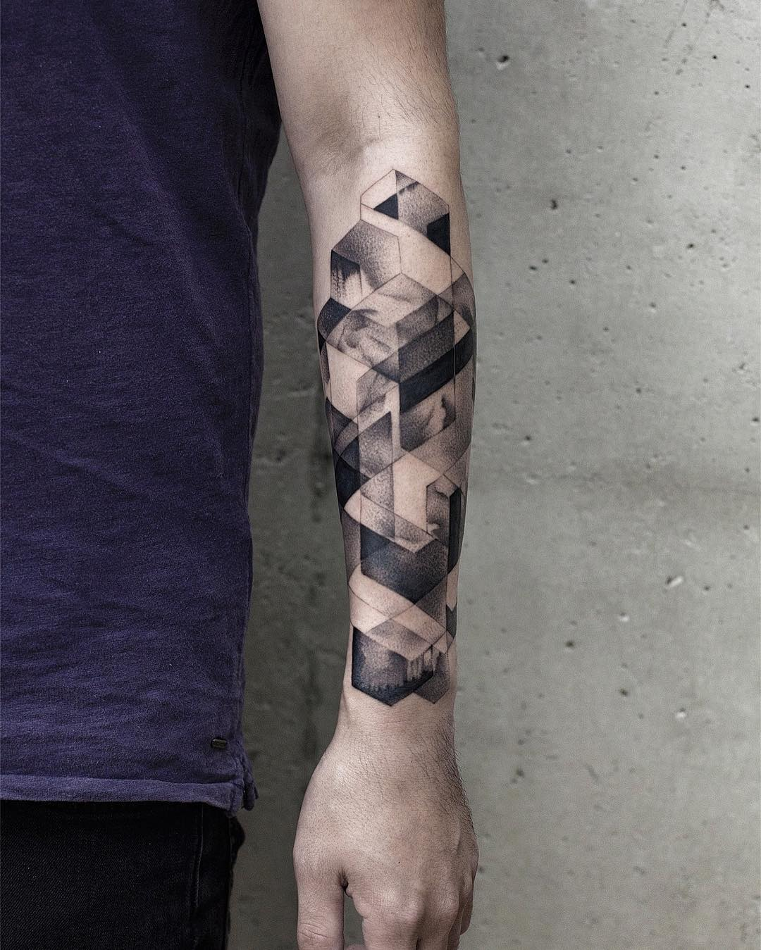 Beautiful blackwork geometry by Aki Wong