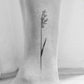 Delicate wildflower tattoo by Amanda Piejak
