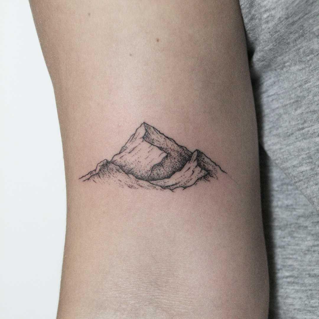 Dot-work mountains by tattooist Spence @zz tattoo