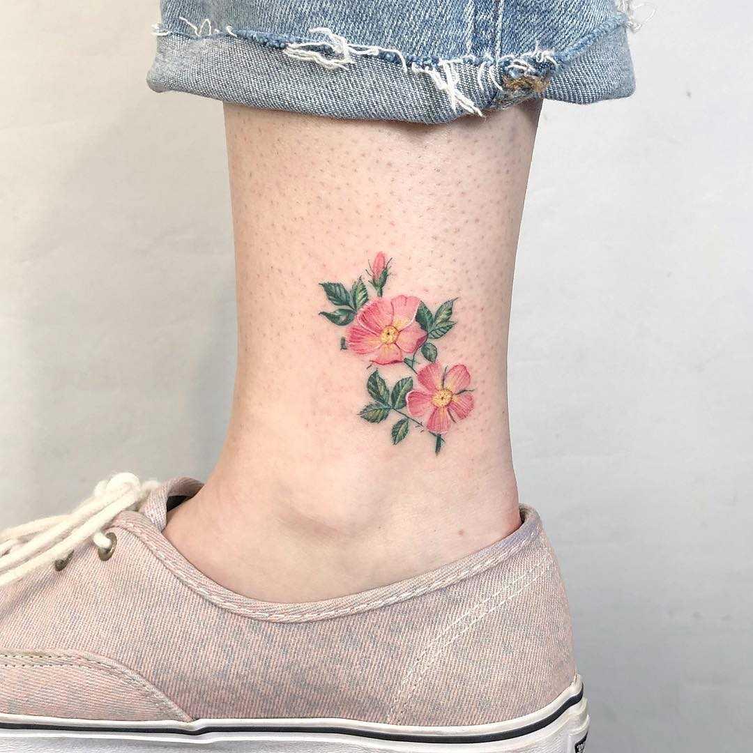 Lovely ankle flower by Eden Kozo