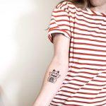 Manekineko tattoo by Ann Gilberg