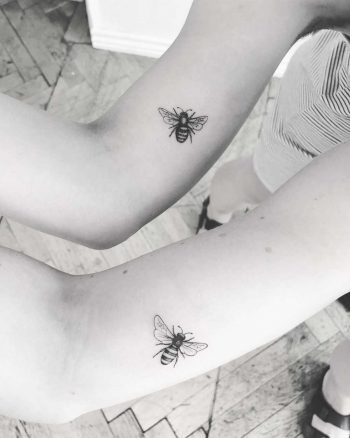Matching honey bees by Annelie Fransson