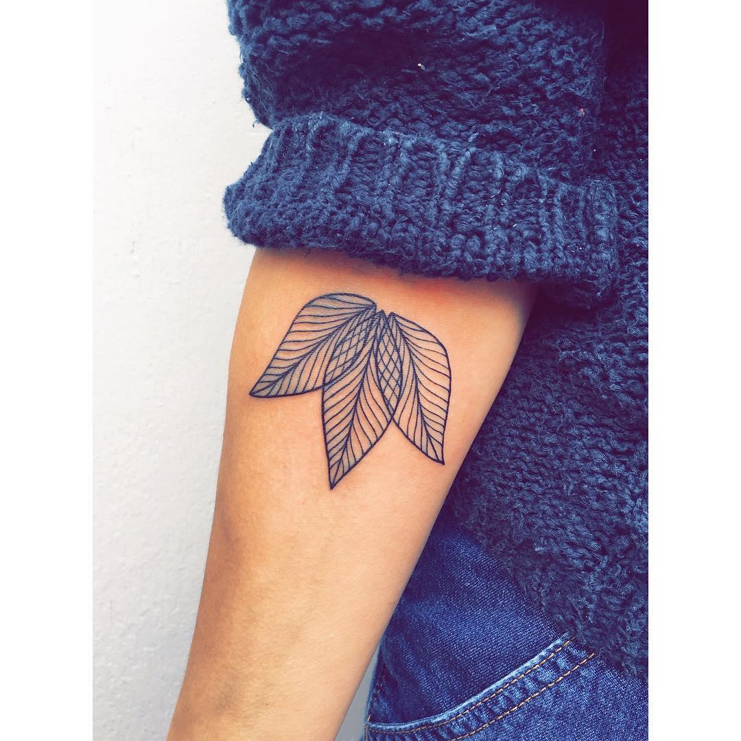 Three leaves by Zaya Hastra