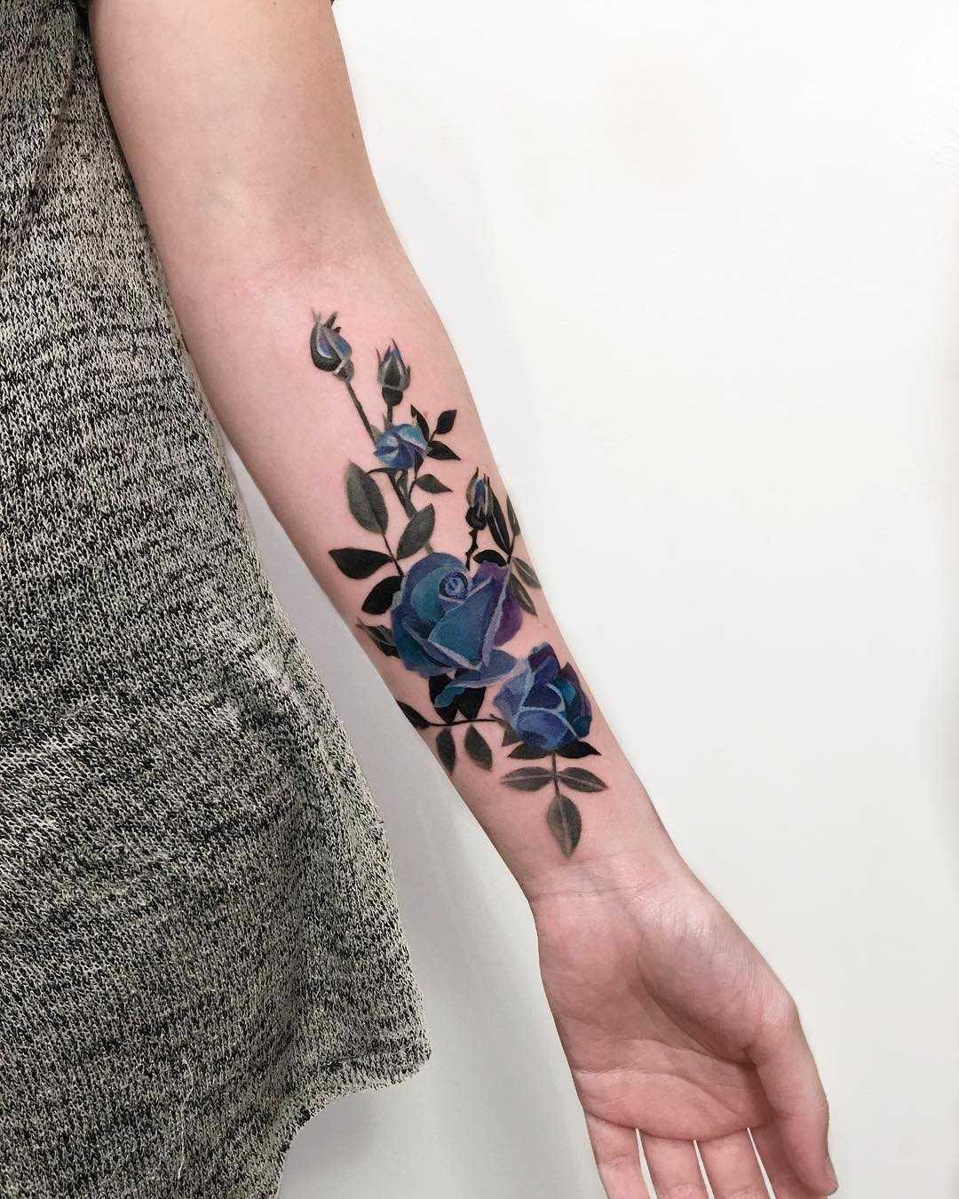 Tinted roses by Mavka Leesova