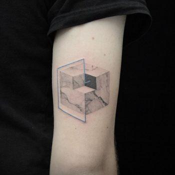 Abstract marble cube by Aga Kura