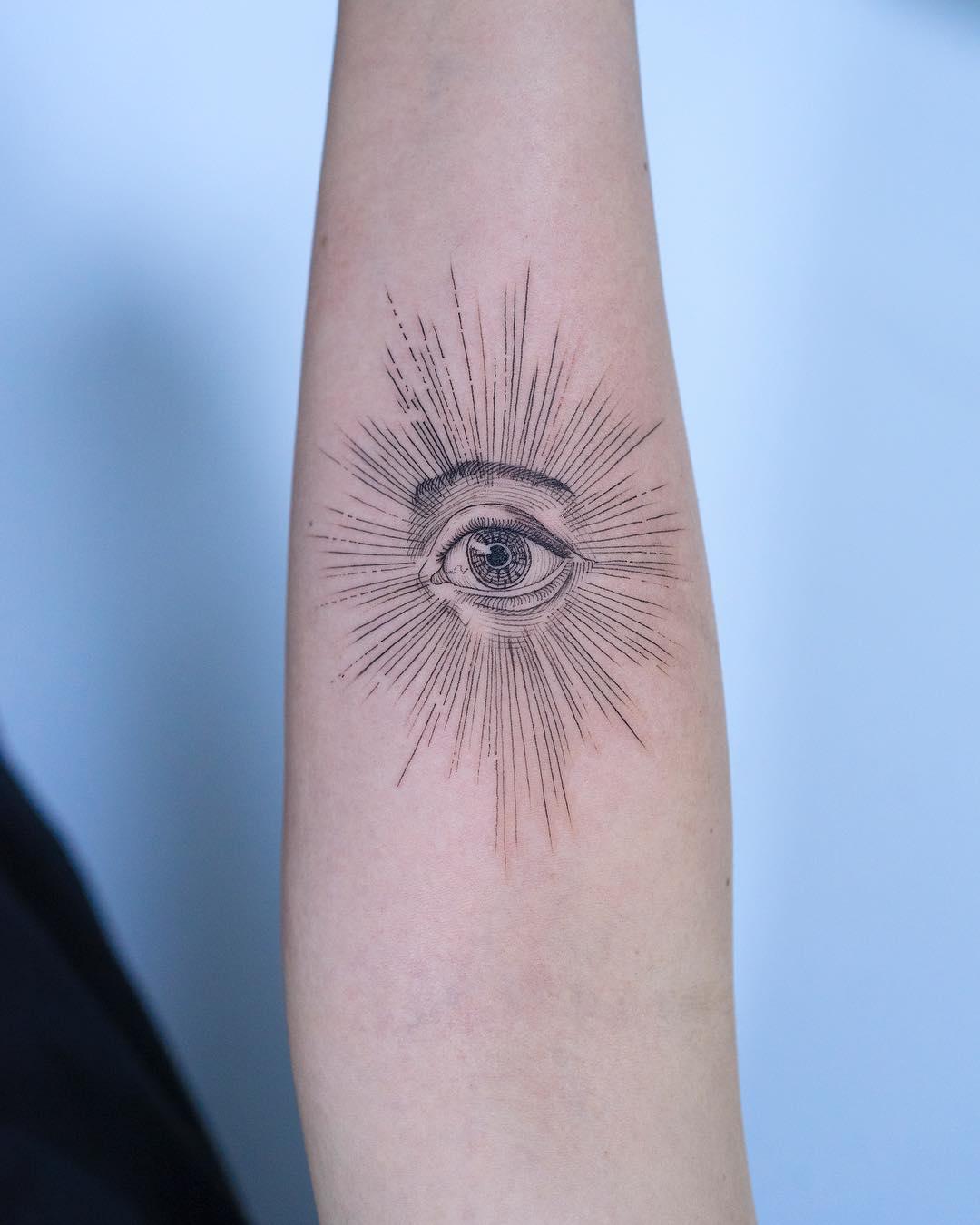All-seeing-eye by tattooist Oozy