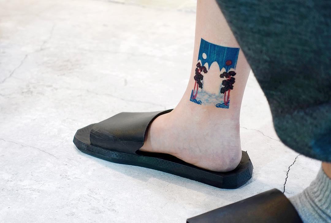Ankle tattoo by tattooist Yeonho