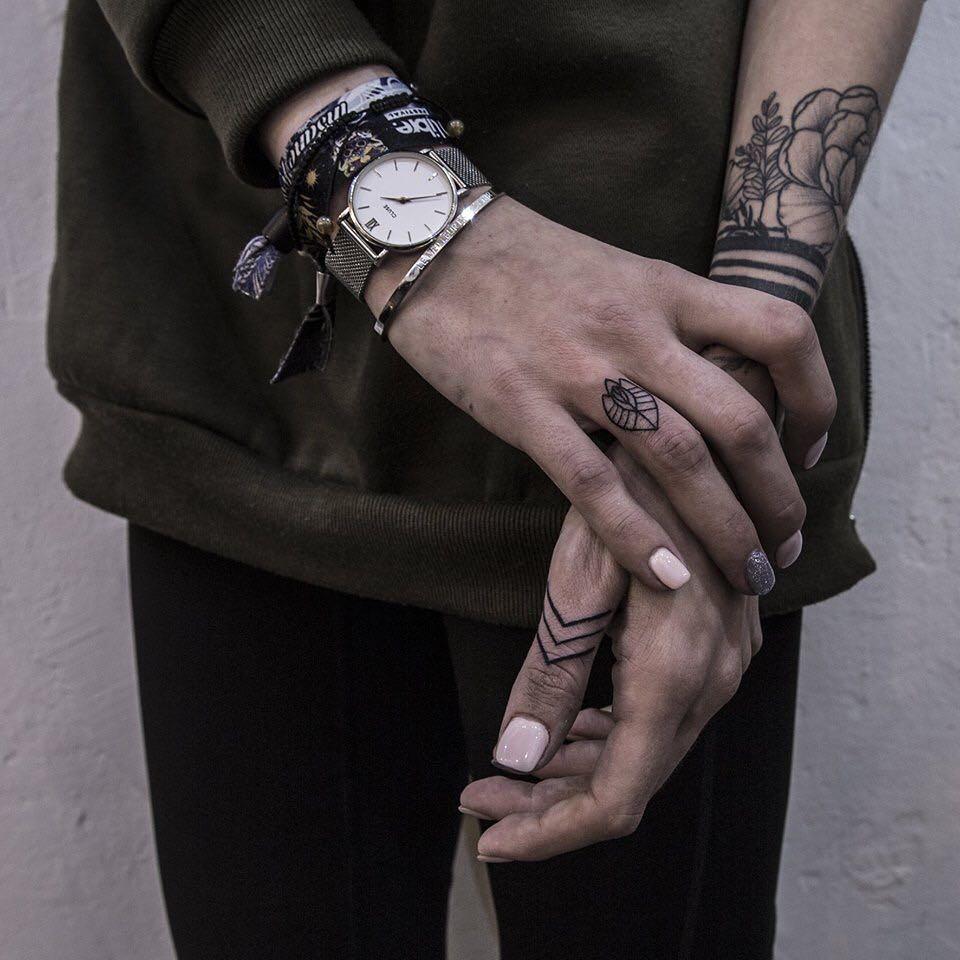 Beautiful ornamental finger tattoos by Remy B